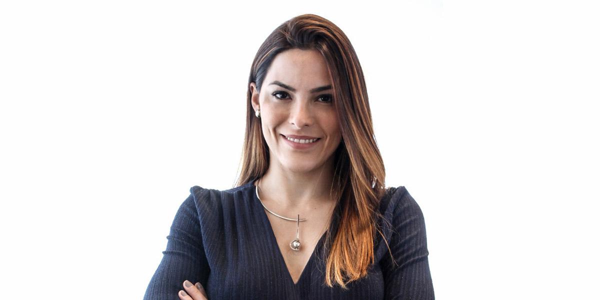 Slide Carla Oliveira